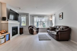 """Photo 2: 156 20875 80 Avenue in Langley: Willoughby Heights Townhouse for sale in """"Pepperwood"""" : MLS®# R2493319"""