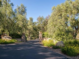 Photo 2: POWAY House for sale : 4 bedrooms : 13587 Del Poniente Road