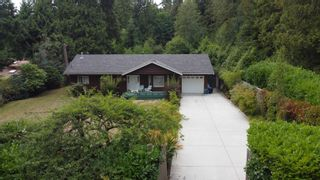 Photo 1: 1559 PARK Avenue: Roberts Creek House for sale (Sunshine Coast)  : MLS®# R2613701