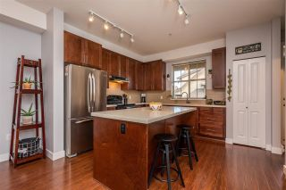 """Photo 4: 70 9525 204 Street in Langley: Walnut Grove Townhouse for sale in """"TIME"""" : MLS®# R2335818"""