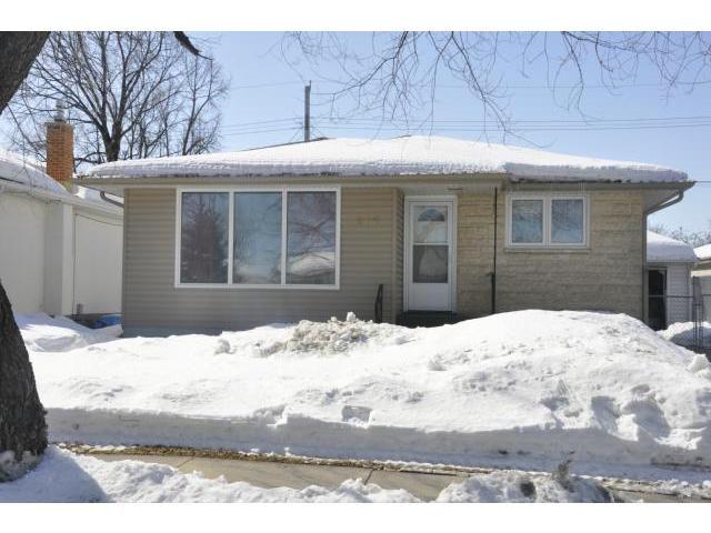 Main Photo: 606 Edison Avenue in WINNIPEG: North Kildonan Residential for sale (North East Winnipeg)  : MLS®# 1304883