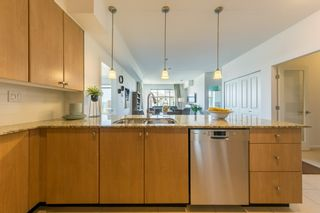 "Photo 9: 305 275 ROSS Drive in New Westminster: Fraserview NW Condo for sale in ""The Grove at Victoria Hill"" : MLS®# R2479209"