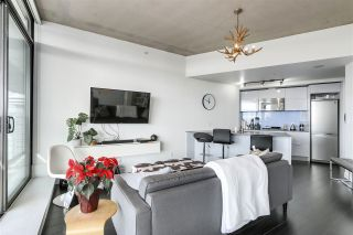 """Photo 7: 4109 128 W CORDOVA Street in Vancouver: Downtown VW Condo for sale in """"WOODWARDS"""" (Vancouver West)  : MLS®# R2551385"""