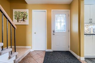 Photo 2: 11 Pridham Court in Ajax: South West House (2-Storey) for sale : MLS®# E4872235