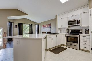 Photo 11: 23 Country Hills Link NW in Calgary: Country Hills Detached for sale : MLS®# A1136461