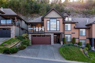 "Photo 1: 34 43540 ALAMEDA Drive in Chilliwack: Chilliwack Mountain Townhouse for sale in ""Retriever Ridge"" : MLS®# R2617463"