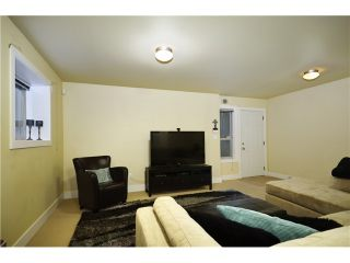 Photo 13: 322 E 4TH Street in North Vancouver: Lower Lonsdale 1/2 Duplex for sale : MLS®# V1029955