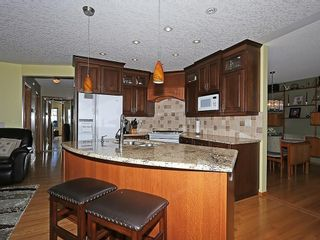 Photo 3: 80 SCENIC Gardens NW in Calgary: Scenic Acres House for sale : MLS®# C4165304