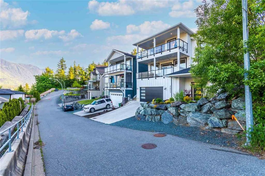 Main Photo: 45952 WEEDEN DRIVE in Chilliwack: Promontory House for sale (Sardis)  : MLS®# R2584967