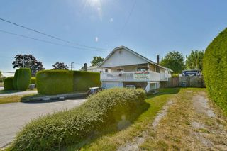 Photo 3: 14782 107A Avenue in Surrey: Guildford House for sale (North Surrey)  : MLS®# R2185244