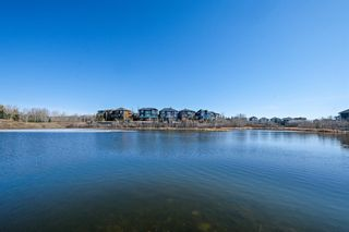 Main Photo: 18 Rockcliff Landing NW in Calgary: Rocky Ridge Detached for sale : MLS®# A1094284