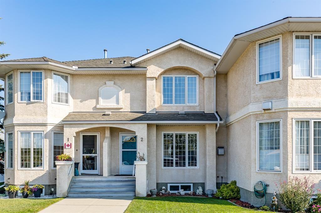 Main Photo: 2 120 Ross Avenue: Cochrane Row/Townhouse for sale : MLS®# A1139858