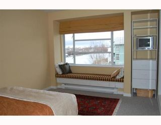 """Photo 5: 404 1990 E KENT SOUTH Avenue in Vancouver: Fraserview VE Condo for sale in """"HARBOUR HOUSE AT TUGBOAT LANDING"""" (Vancouver East)  : MLS®# V747645"""