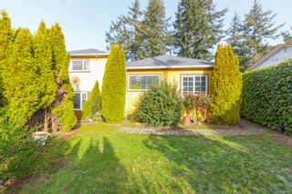 Photo 3: 380 Lagoon Rd in : Co Lagoon House for sale (Colwood)  : MLS®# 867063