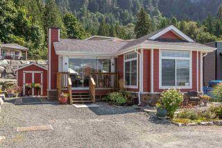 "Photo 2: 14 53480 BRIDAL FALLS Road in Rosedale: Rosedale Popkum Manufactured Home for sale in ""Bridal Falls Cottage Resort"" : MLS®# R2397701"
