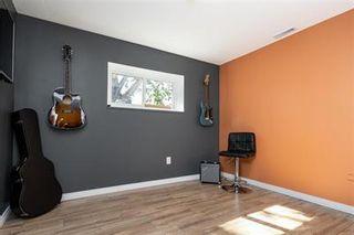 Photo 21: 11 Nolin Avenue in Winnipeg: House for sale : MLS®# 202121714