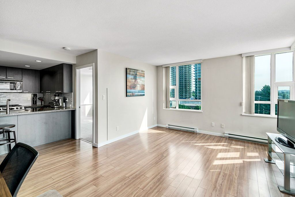 Photo 6: Photos: 402 2232 DOUGLAS ROAD in Burnaby: Brentwood Park Condo for sale (Burnaby North)  : MLS®# R2495564