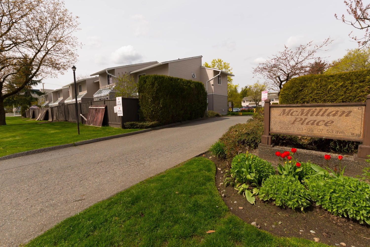 """Main Photo: 1 20301 53 Avenue in Langley: Langley City Townhouse for sale in """"McMillian Place"""" : MLS®# R2258887"""