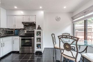 """Photo 18: 4687 GARDEN GROVE Drive in Burnaby: Greentree Village Townhouse for sale in """"Greentree Village"""" (Burnaby South)  : MLS®# R2589721"""