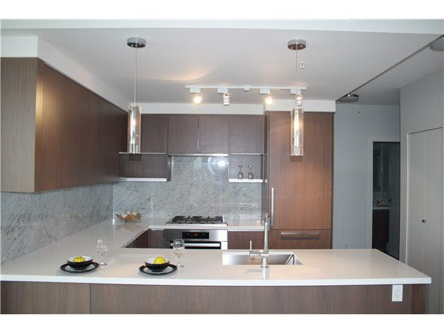 Main Photo: 2902 6588 NELSON Street in Burnaby: Metrotown Condo for sale (Burnaby South)  : MLS®# V1131774