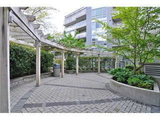"Photo 10: 201 1818 W 6TH Avenue in Vancouver: Kitsilano Condo for sale in ""THE CARNEGIE"" (Vancouver West)  : MLS®# V969830"