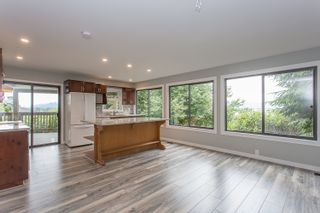 Photo 10: 8240 DEWDNEY TRUNK Road in Mission: Hatzic House for sale : MLS®# R2280836