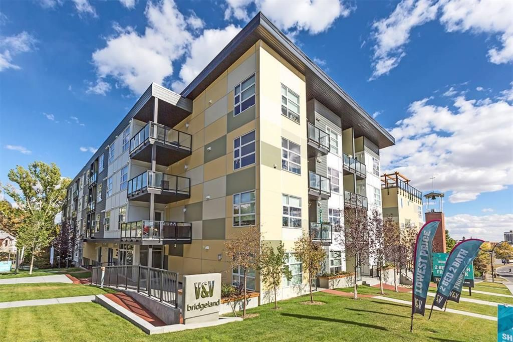 Beautiful modern building in very trendy Bridgeland neighborhood only minutes walk to downtown, river paths, restaurants and coffee shops