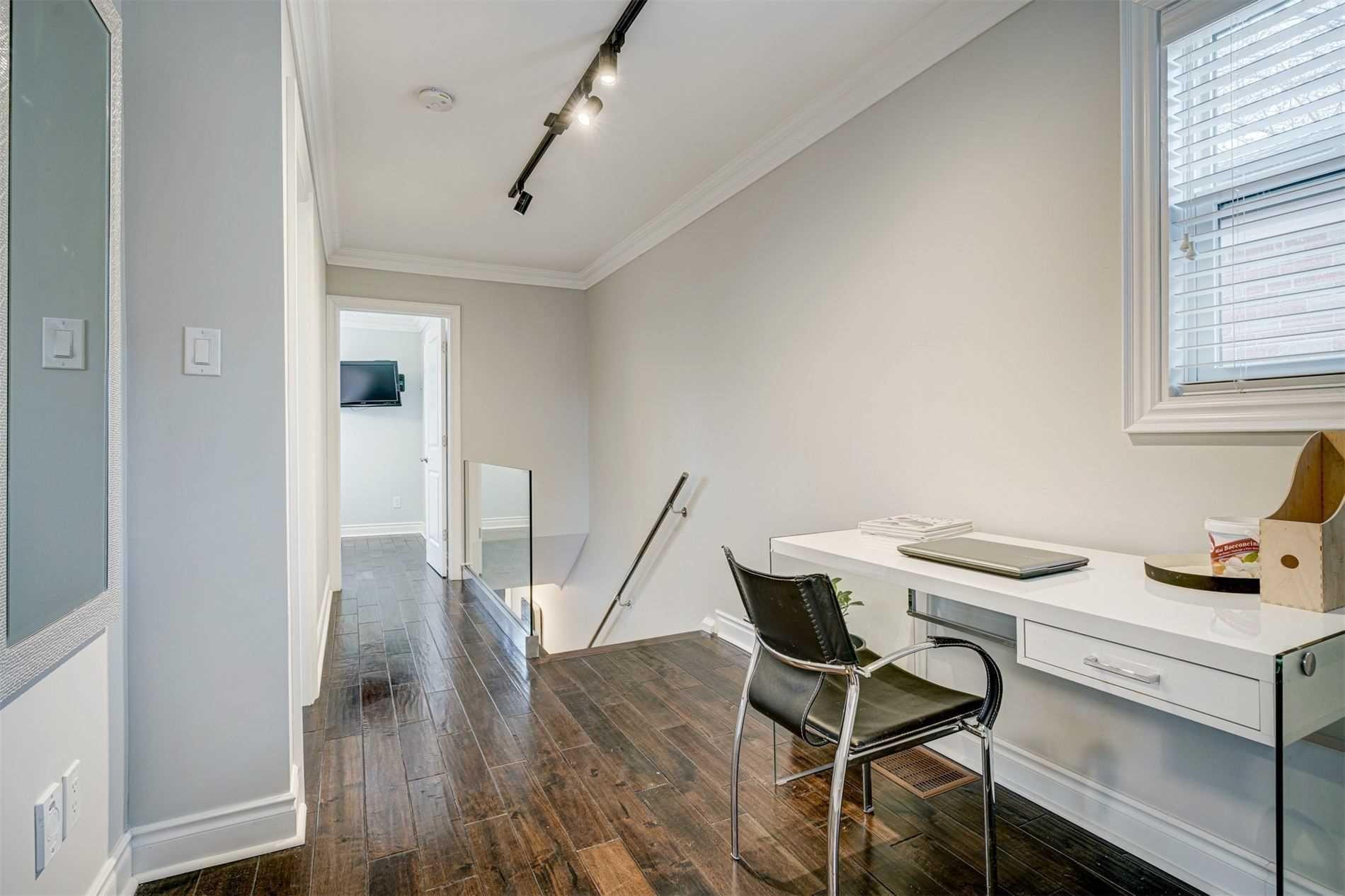 Photo 23: Photos: 92 Holborne Avenue in Toronto: Danforth Village-East York House (2-Storey) for sale (Toronto E03)  : MLS®# E5204452