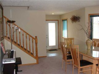Photo 3: 152 APPLEMONT Close SE in CALGARY: Applewood Residential Detached Single Family for sale (Calgary)  : MLS®# C3453310