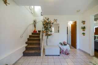 Photo 3: 320 E 54TH Avenue in Vancouver: South Vancouver House for sale (Vancouver East)  : MLS®# R2571902