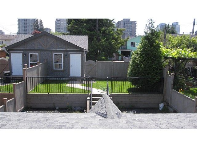 Photo 17: Photos: 4776 SHEPHERD ST in Burnaby: Forest Glen BS 1/2 Duplex for sale (Burnaby South)  : MLS®# V1068290