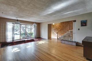 Photo 12: 15 42 Street SW in Calgary: Wildwood Detached for sale : MLS®# A1122775