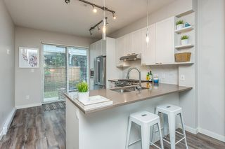 """Photo 8: 38344 SUMMITS VIEW Drive in Squamish: Downtown SQ Townhouse for sale in """"EAGLEWIND"""" : MLS®# R2517770"""