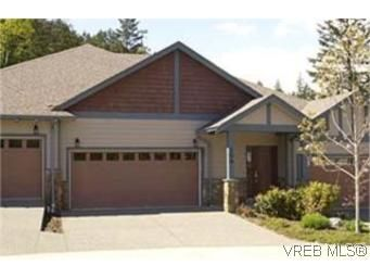 Main Photo:  in VICTORIA: La Bear Mountain Row/Townhouse for sale (Langford)  : MLS®# 430651