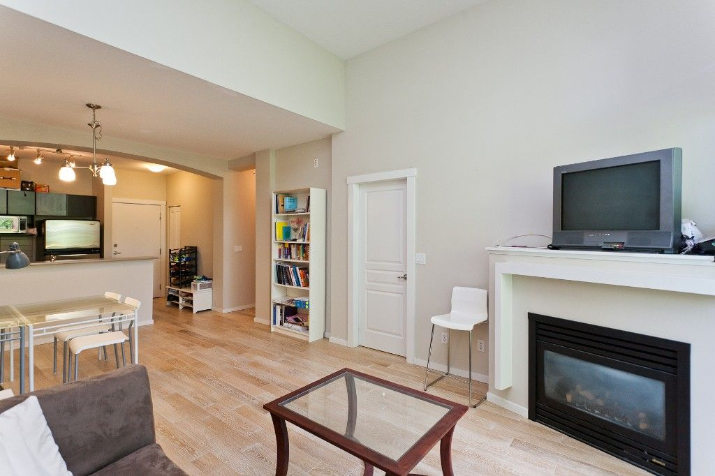 """Photo 5: Photos: 514 9319 UNIVERSITY Crescent in Burnaby: Simon Fraser Univer. Condo for sale in """"HARMONY AT THE HIGHLANDS"""" (Burnaby North)  : MLS®# V1009377"""
