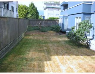 """Photo 10: 106 2133 DUNDAS Street in Vancouver: Hastings Condo for sale in """"HARBOUR GATE"""" (Vancouver East)  : MLS®# V724232"""