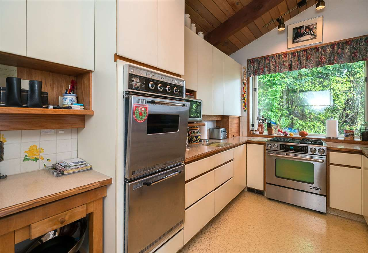 """Photo 10: Photos: 42831 OLD ORCHARD Road in Chilliwack: Chilliwack Mountain House for sale in """"CHILLIWACK MOUNTAIN"""" : MLS®# R2202760"""