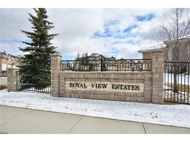 Main Photo: 193 ROYAL CREST VW NW in Calgary: Royal Oak House for sale : MLS®# C4107990