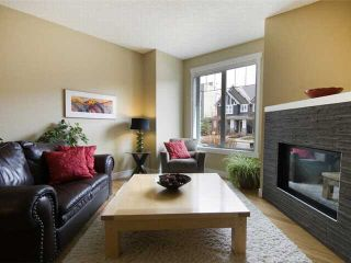 Photo 3: 1 523 34 Street NW in CALGARY: Parkdale Townhouse for sale (Calgary)  : MLS®# C3473184