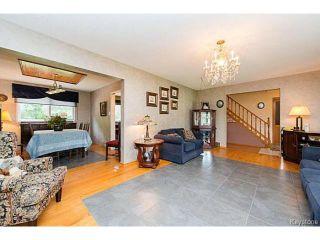 Photo 3: 5 McMurray Bay in WINNIPEG: St Vital Residential for sale (South East Winnipeg)  : MLS®# 1417818