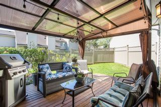 """Photo 12: 6109 GREENSIDE Drive in Surrey: Cloverdale BC Townhouse for sale in """"Greenside Estates"""" (Cloverdale)  : MLS®# R2264200"""