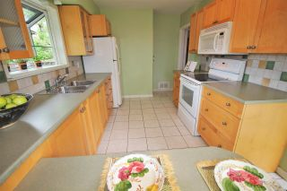 Photo 5: 819 CHILLIWACK Street in New Westminster: The Heights NW House for sale : MLS®# R2168673