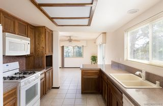 Photo 9: SOUTHEAST ESCONDIDO House for sale : 4 bedrooms : 329 Cypress Crest Ter in Escondido