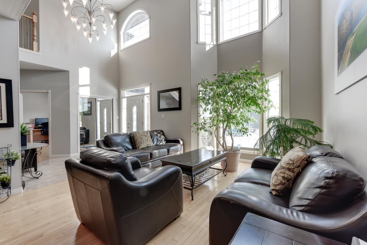 Main Photo: 9206 150 Street in Edmonton: Zone 22 House for sale : MLS®# E4227336