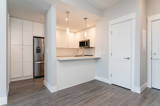 """Photo 3: 611A 2180 KELLY Avenue in Port Coquitlam: Central Pt Coquitlam Condo for sale in """"Montrose Square"""" : MLS®# R2624390"""