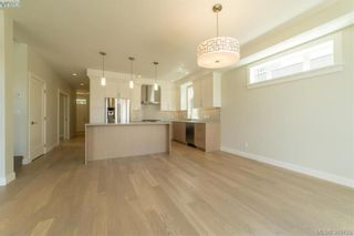 Photo 5: 2111 Wood Violet Lane in NORTH SAANICH: NS Bazan Bay House for sale (North Saanich)  : MLS®# 782810