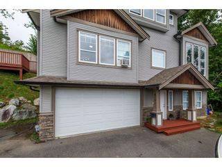 Photo 1: 8282 CADE BARR Street in Mission: Mission BC House for sale : MLS®# R2394502