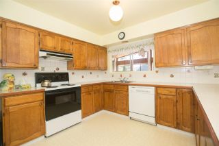 Photo 16: 1823 WINSLOW Avenue in Coquitlam: Central Coquitlam House for sale : MLS®# R2106691