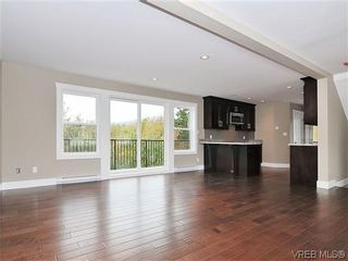 Photo 3: 974 Rattanwood Pl in VICTORIA: La Happy Valley Row/Townhouse for sale (Langford)  : MLS®# 621552