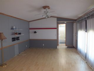 Photo 7: 8 22885 TRANS CANADA Highway in Hope: Hope Center Manufactured Home for sale : MLS®# R2482859